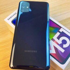 "Samsung Galaxy M51 128GB Dual Sim 6GB RAM Android 10 Tela 6.67"" Câm. Quadrupla 64MP + Selfie 32MP Bateria 7000mAh"