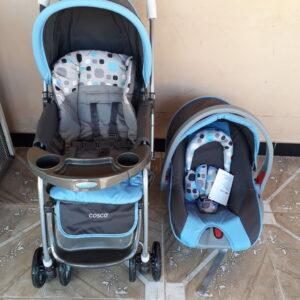 Carrinho de Bebê com Bebê Conforto Cosco – 0 a 15kg