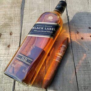 Whisky Johnnie Walker Black Label Escocês 12 anos – 1L