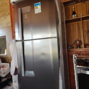 Geladeira/Refrigerador Electrolux Cycle Defrost – Duplex 475L Inox Multi Flow System DC51X – 110v/220v