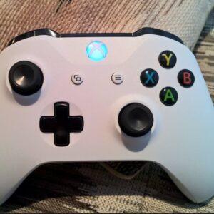 Controle Sem Fio Xbox One Branco Com Bluetooth – Microsoft