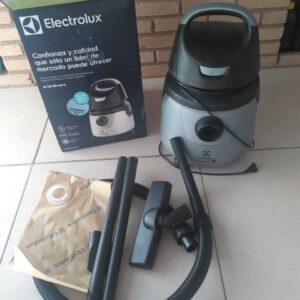 Aspirador de Pó e Água Electrolux 1200W – 110v/220v